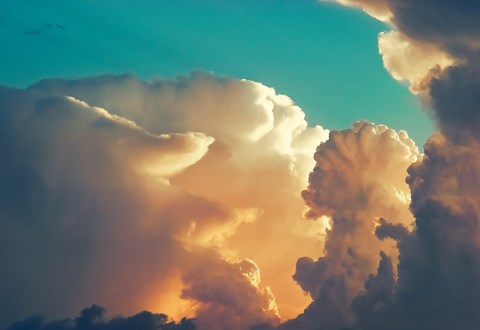 Thunderheads blow up in the Missouri evening sky